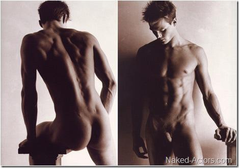 josh-duhamel-naked