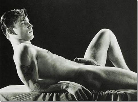 Joe_Dallesandro_Candid_Shot_01