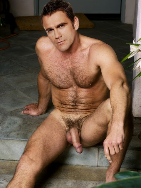 Eduardo twinks for cash