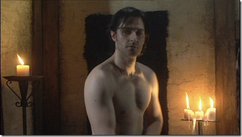 Richard_Armitage_shirtless_02